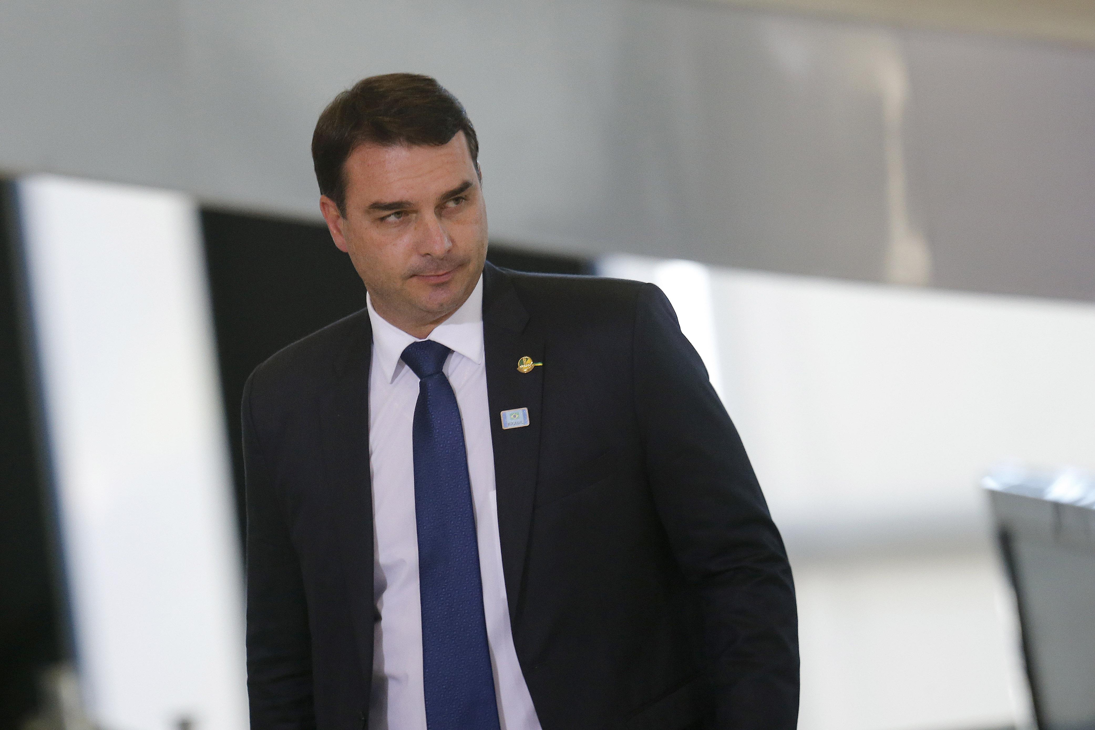 IMAGEM: Anotação de corretor mostra que Flávio usou rachadinha para quitar imóvel, segundo MP