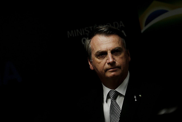 """IMAGEM: O """"grande potencial destrutivo"""" da prisão de Queiroz"""