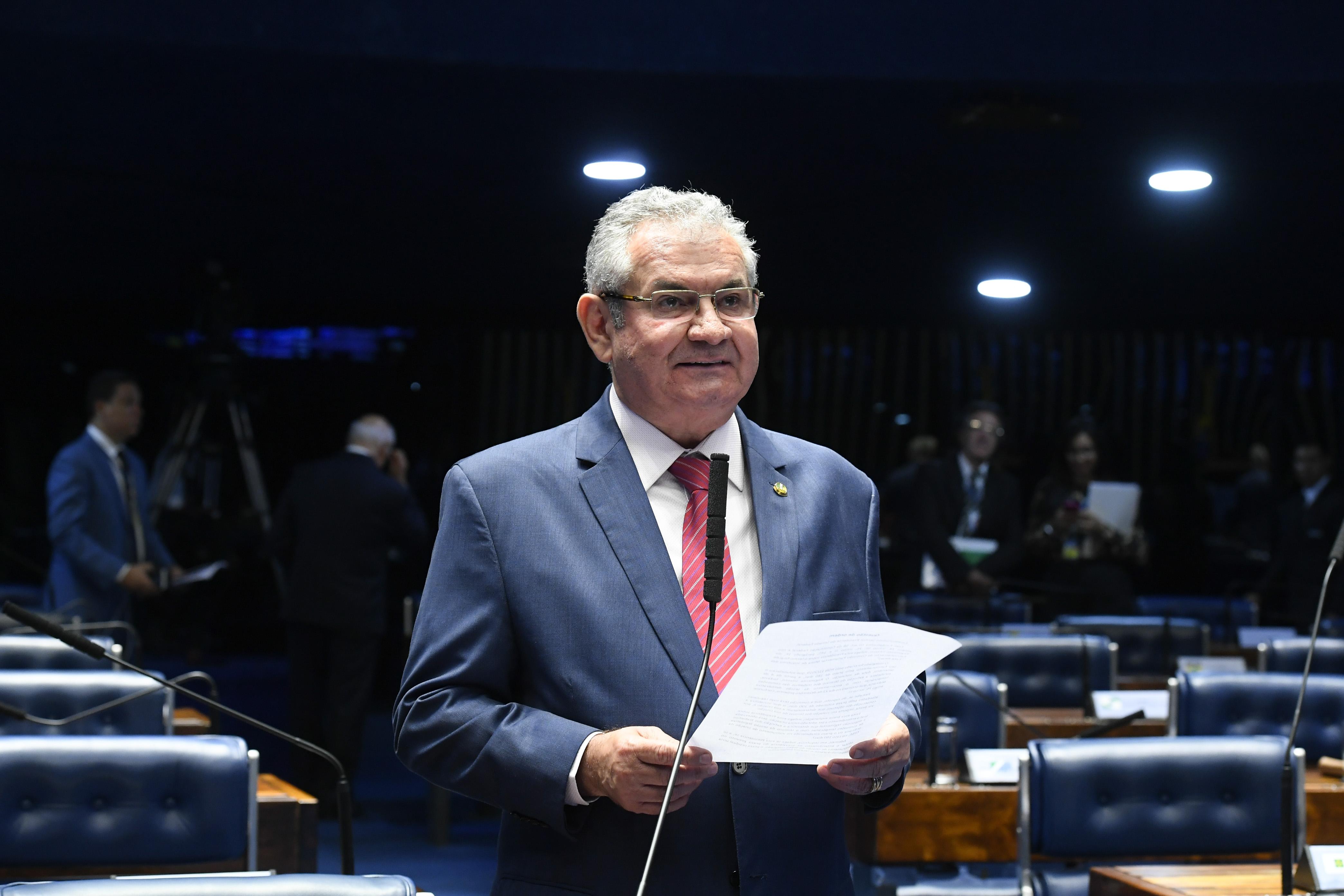 """IMAGEM: """"Louvo a atitude do Facebook"""", diz relator do PL das fake news"""