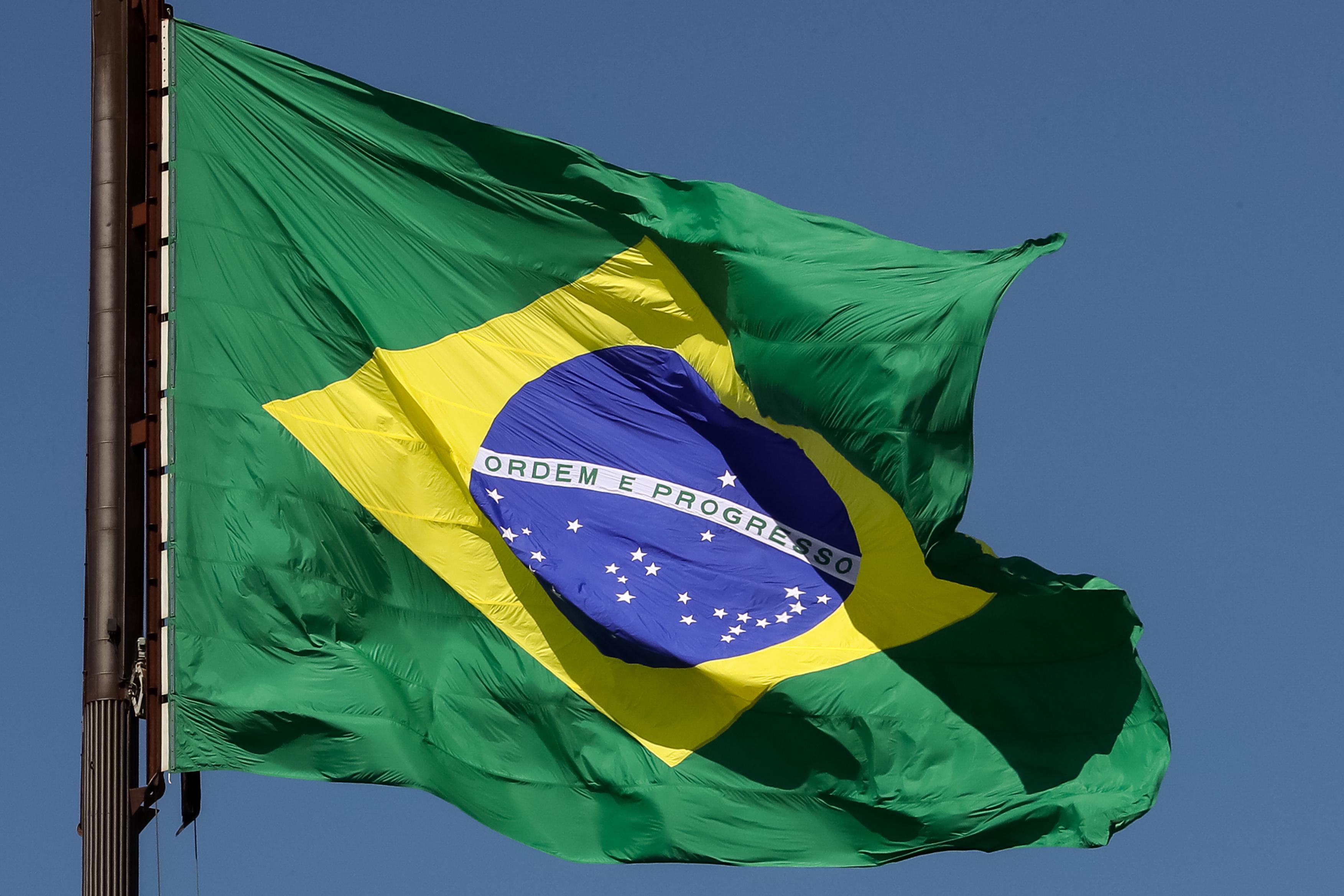 IMAGEM: Datafolha: 70% dos brasileiros dizem ter orgulho do país