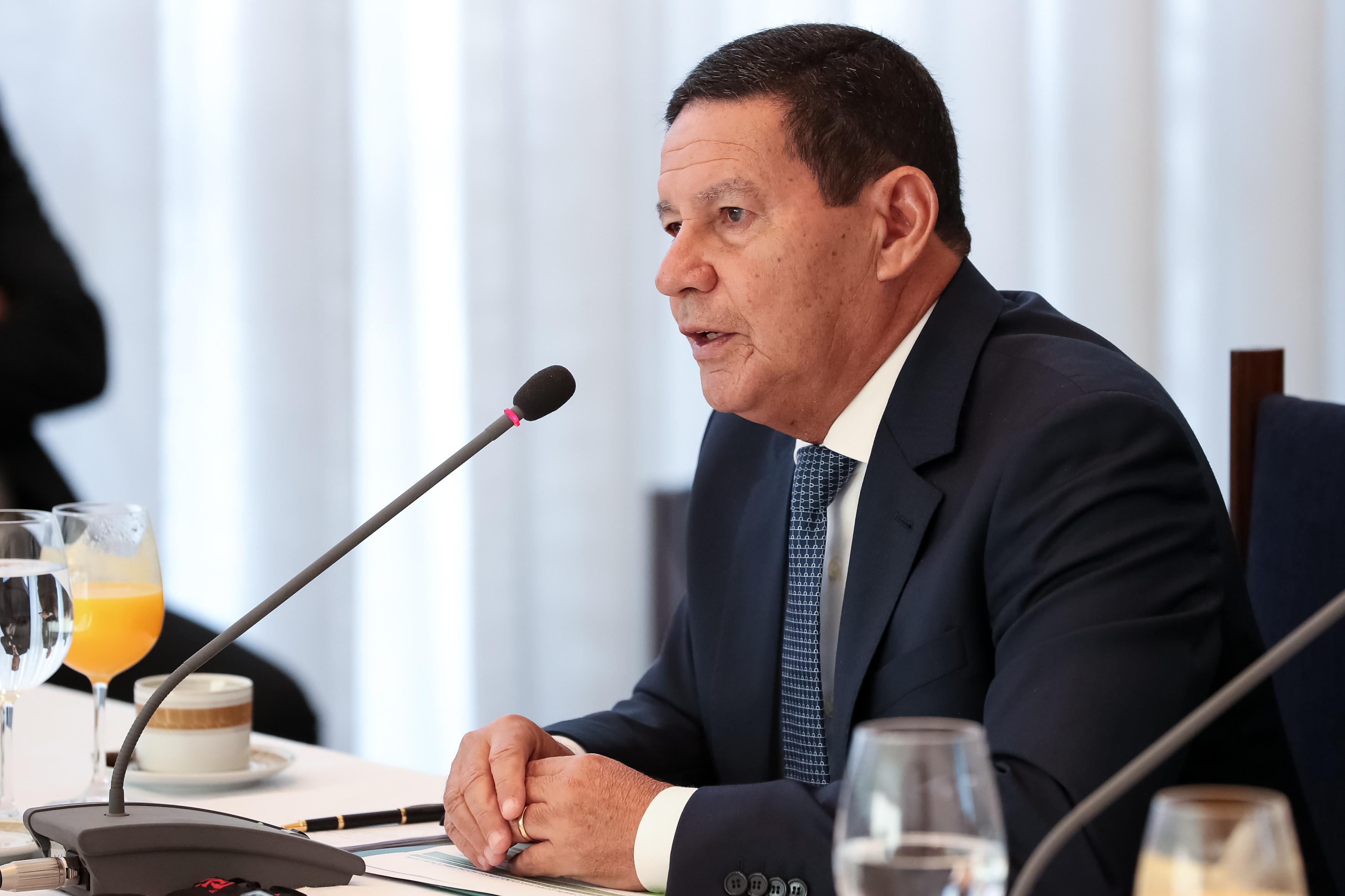IMAGEM: Mourão fala com investidores estrangeiros sobre Amazônia