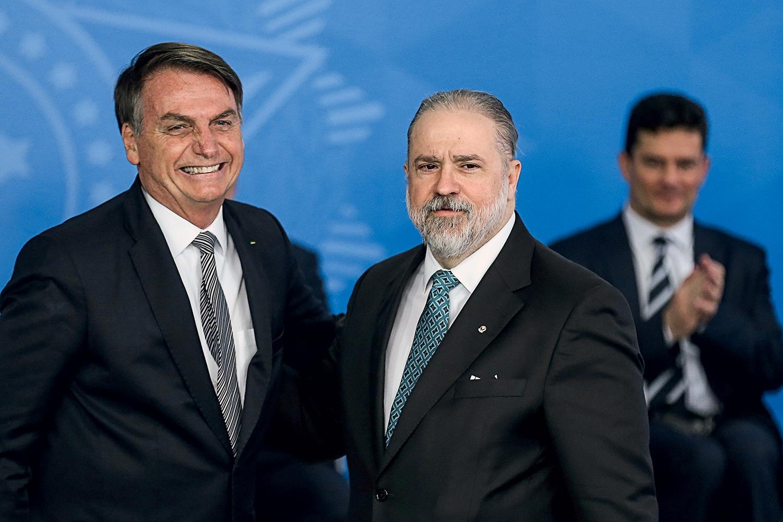 IMAGEM: Aras abriu 'número recorde' de investigações preliminares contra presidente, diz PGR