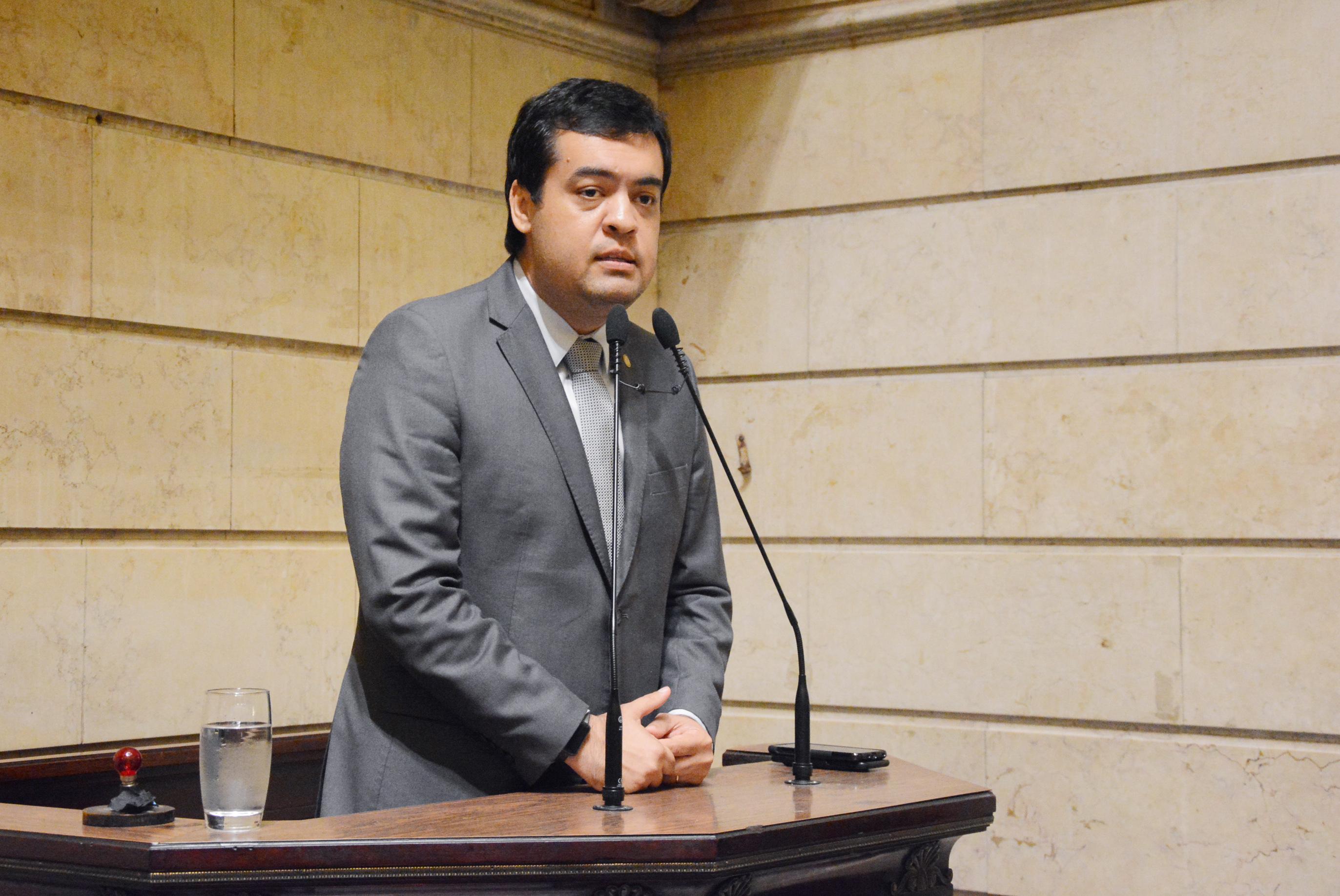 IMAGEM: Cláudio Castro pedirá a Fux mais tempo no debate sobre os royalties