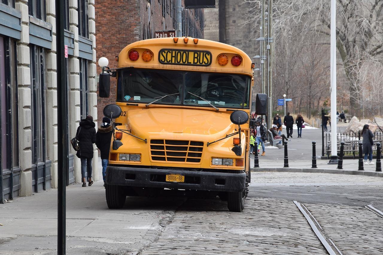 IMAGEM: Com 34% da população imunizada, EUA enfrentam dilema para volta às aulas