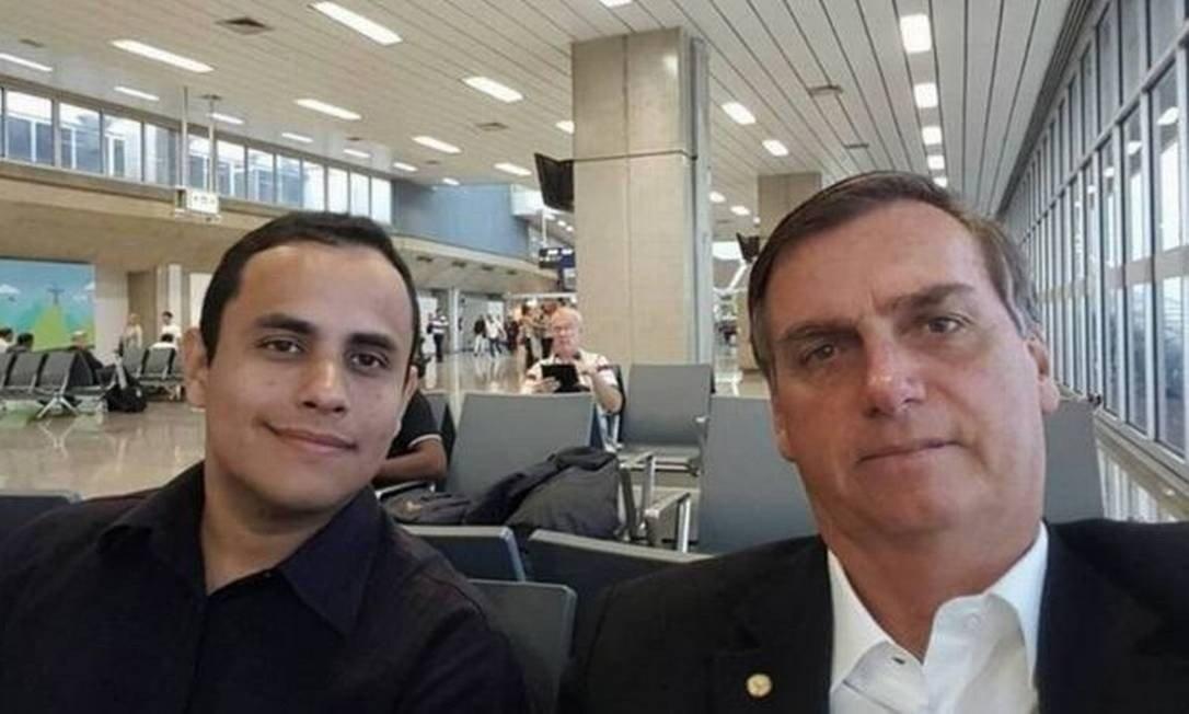 IMAGEM: Assessor de Bolsonaro diz à PF que repassa vídeos do presidente a canal bolsonarista