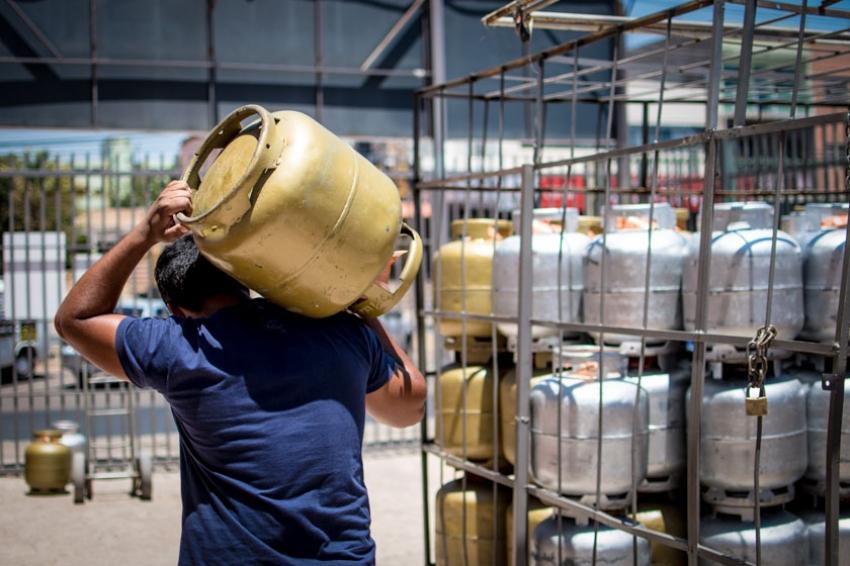 IMAGEM: ANP interrompeu estudos sobre venda de botijões de gás parcialmente cheios