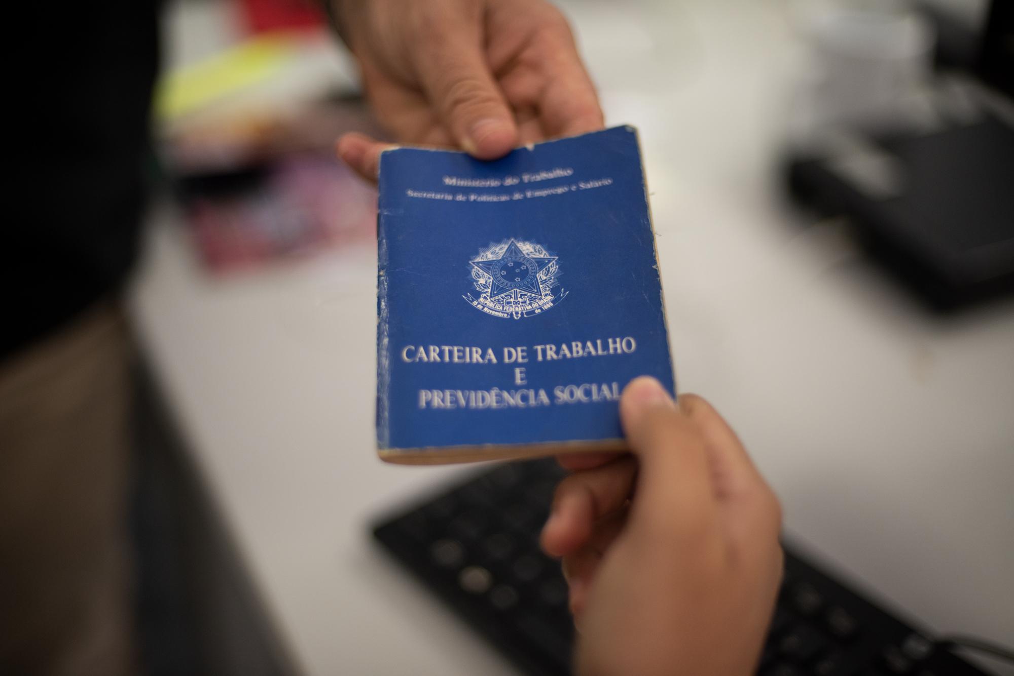IMAGEM: 42% dos acordos na pandemia são para suspensão de contrato ou redução de salário