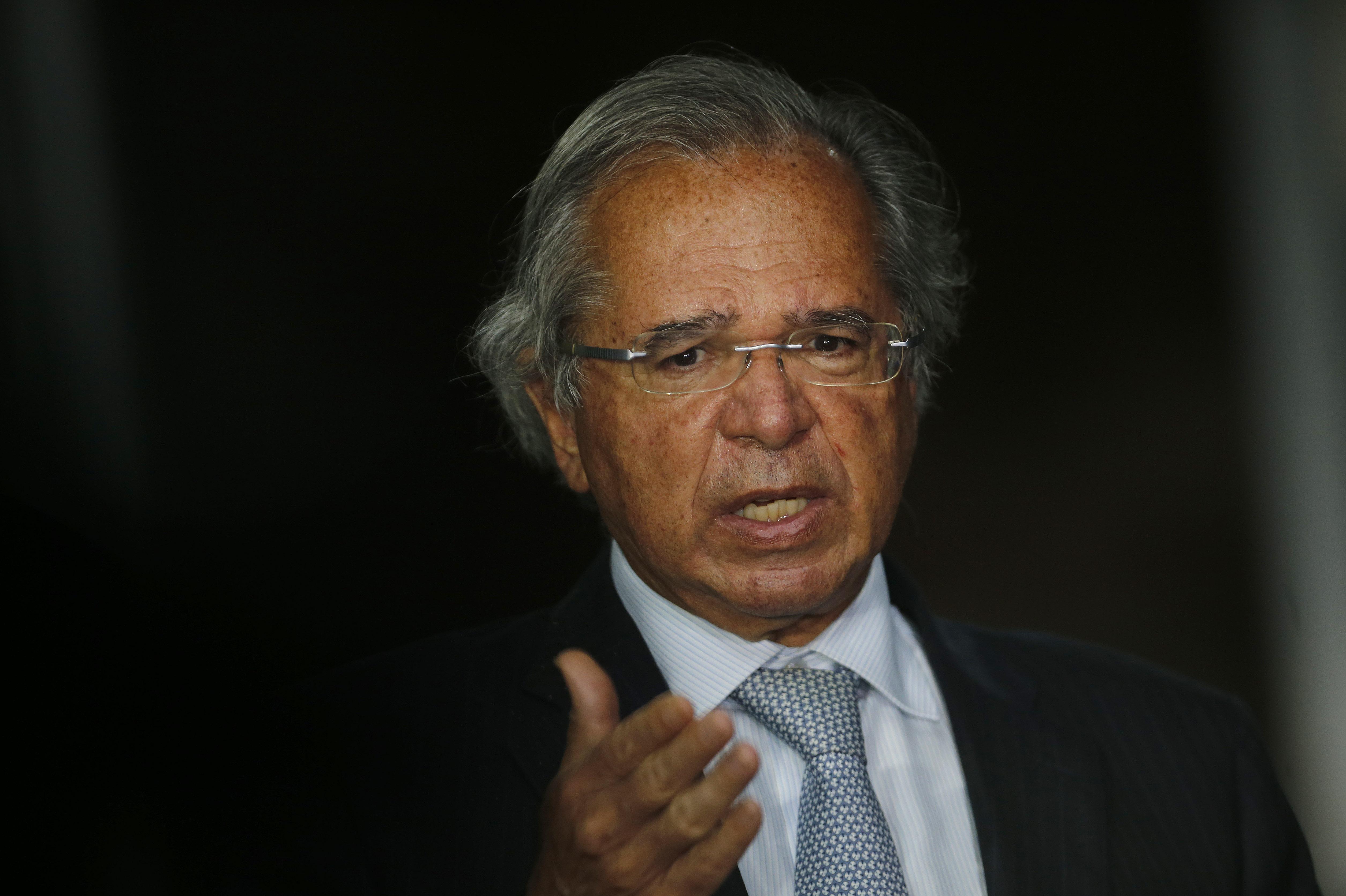 IMAGEM: CCJ da Câmara aprova convite a Guedes para falar sobre reforma administrativa