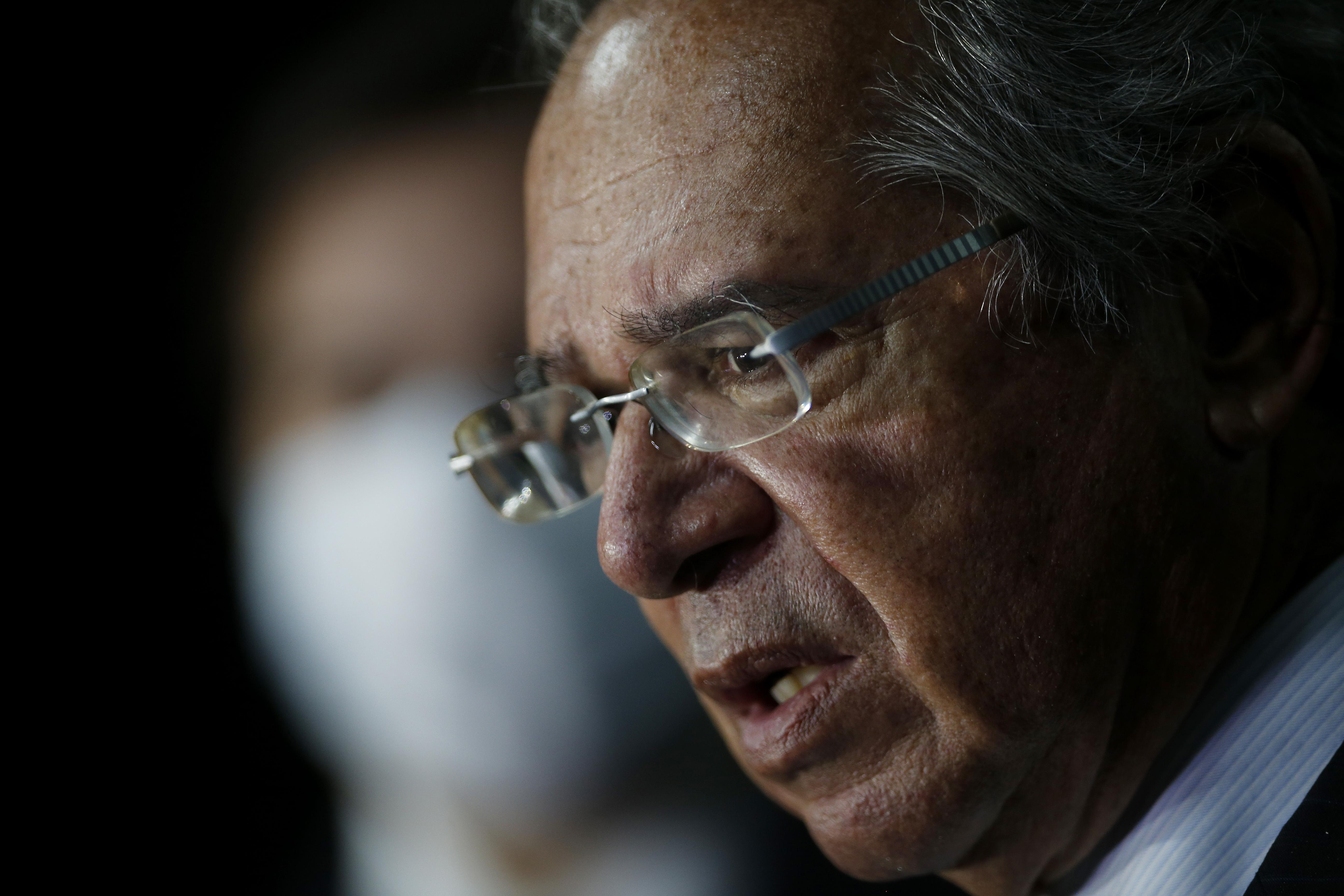 IMAGEM: Guedes vai antecipar pagamento de aposentadorias após aprovação do orçamento