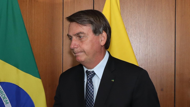 IMAGEM: Bolsonaro prepara 'voto popular' para avaliar veto a aumento de pena por maus-tratos a animais
