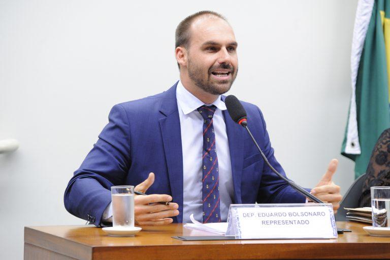 IMAGEM: Petistas na Câmara pedem punição a Eduardo por suposta entrega de dossiê aos EUA