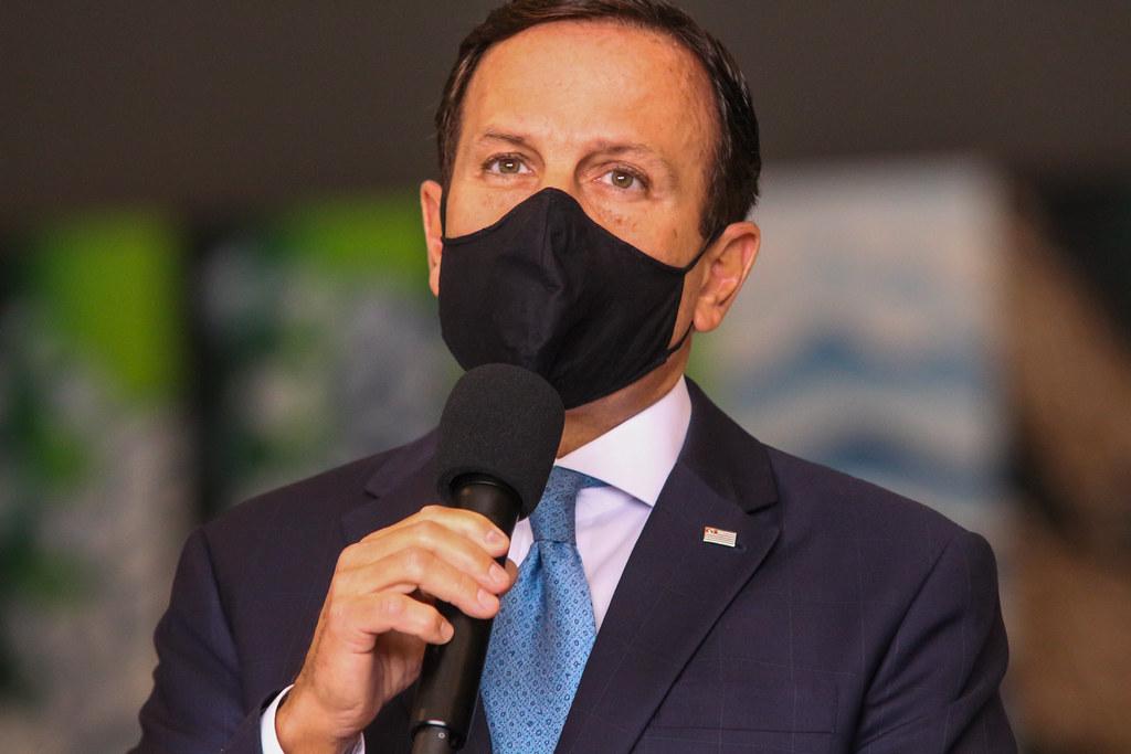 """IMAGEM: Doria rebate Bolsonaro: """"É muito amor pela minha calça apertada"""""""