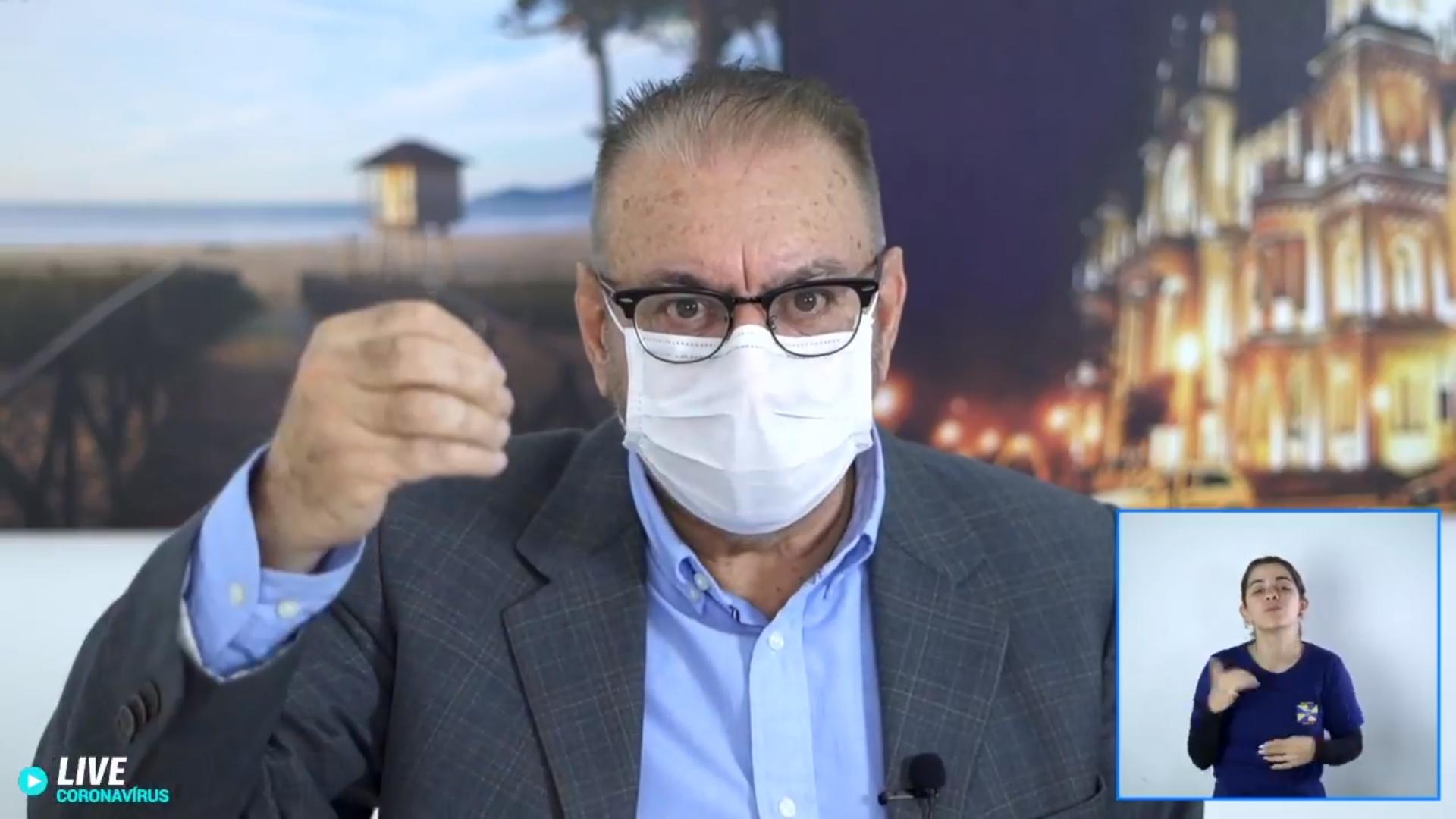 """IMAGEM: """"Não há tratamento definitivo para a COVID-19"""", admite prefeito de Itajaí"""
