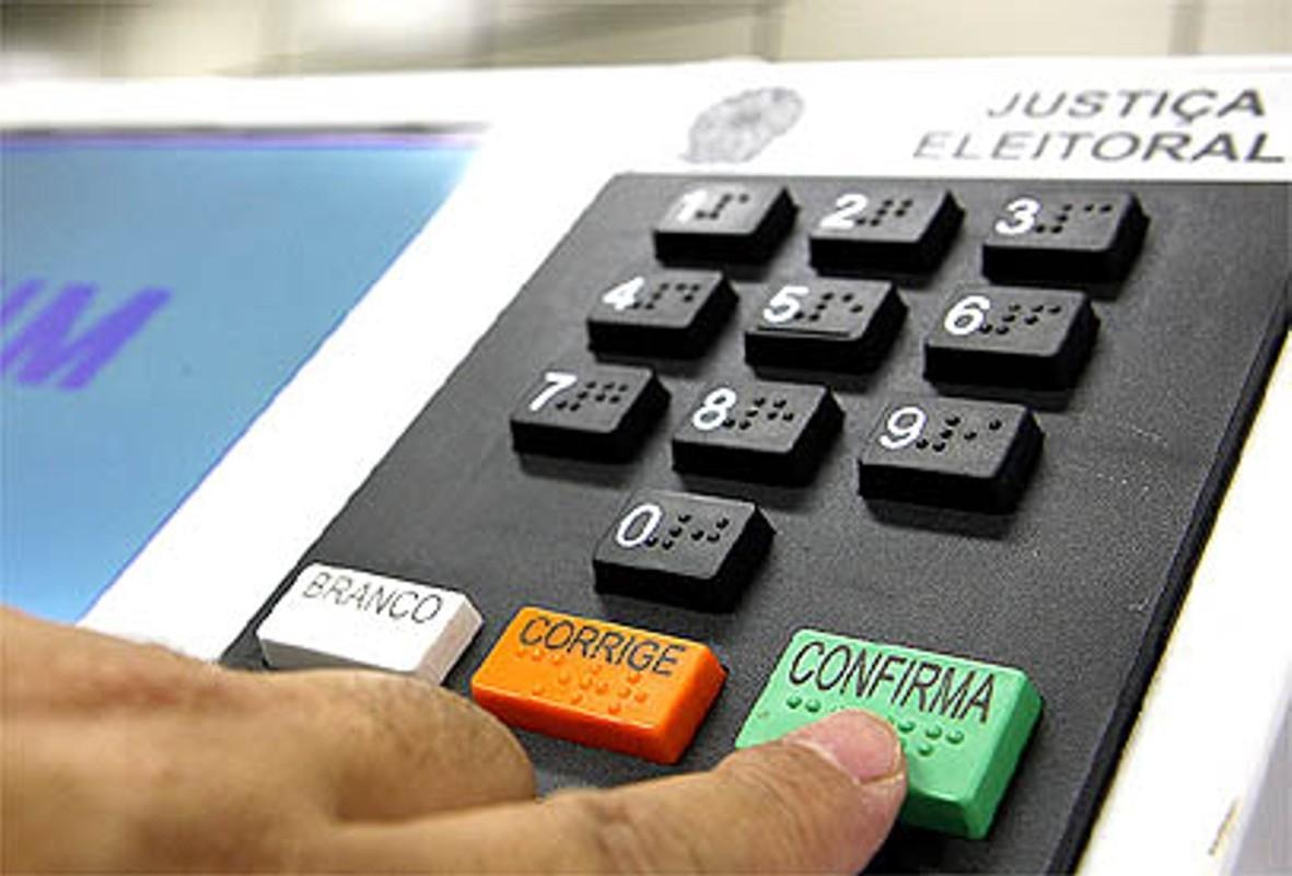 IMAGEM: MP Eleitoral de SP defende urna eletrônica