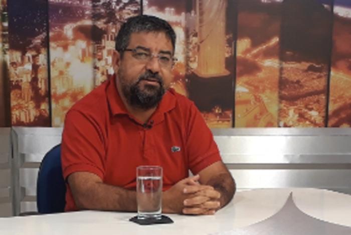 IMAGEM: Internado com Covid-19, Quaquá exalta hospital com nome de Che Guevara