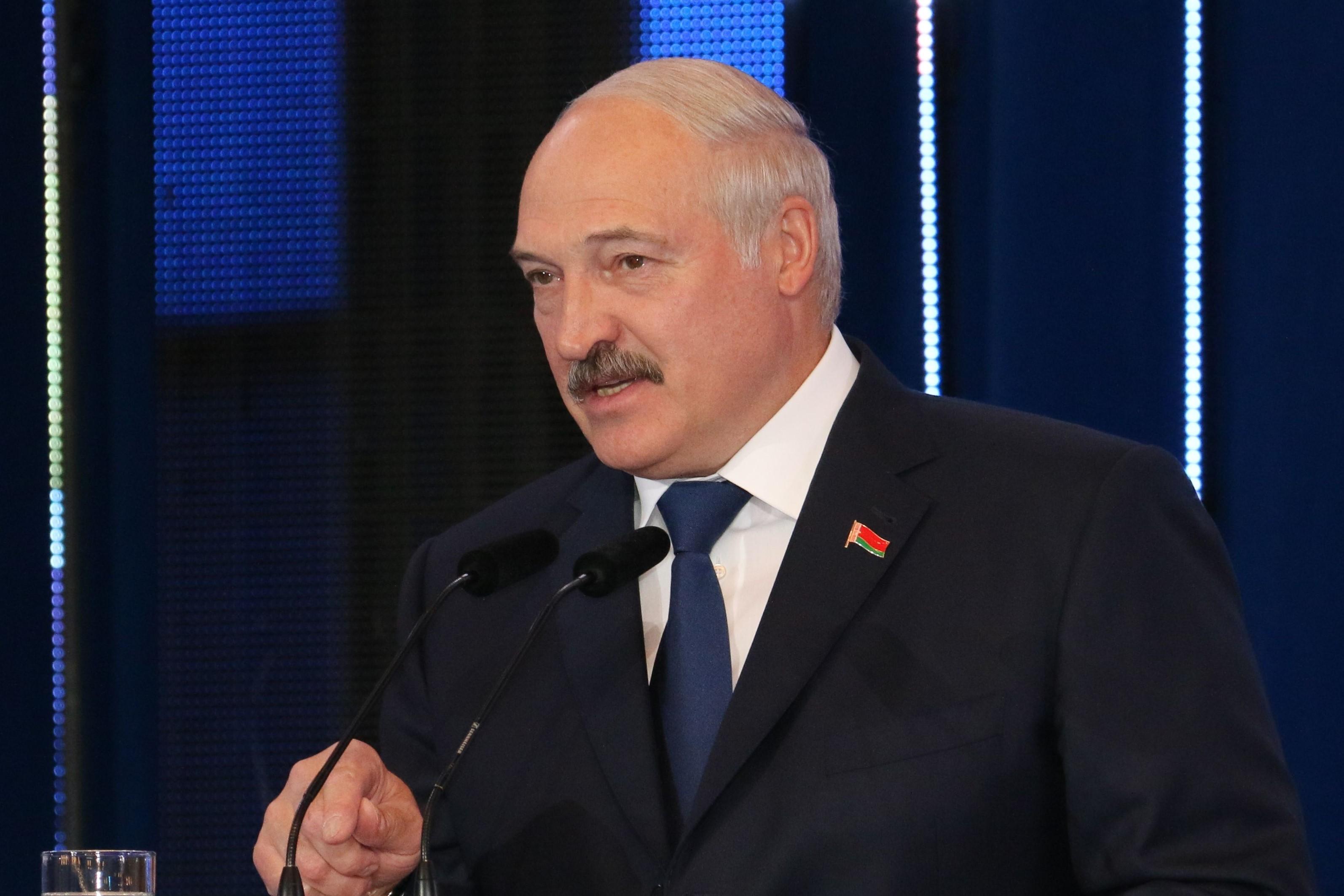 IMAGEM: Ditador de Belarus alega que jornalista preso planejava 'rebelião sangrenta'