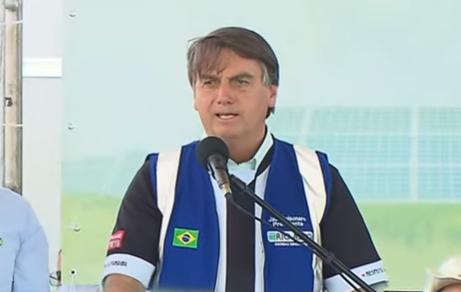 """IMAGEM: """"Não haverá taxação do sol"""", diz Bolsonaro"""
