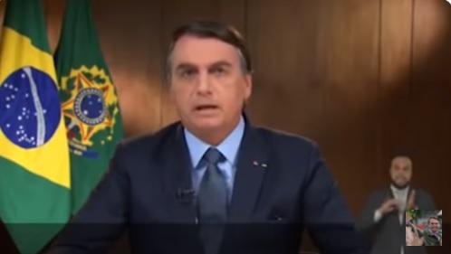 IMAGEM: Dona de casa cobra auxílio de mil dólares citado por Bolsonaro