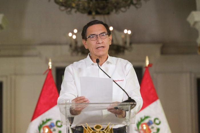 IMAGEM: Presidente afastado do Peru é proibido de deixar o país