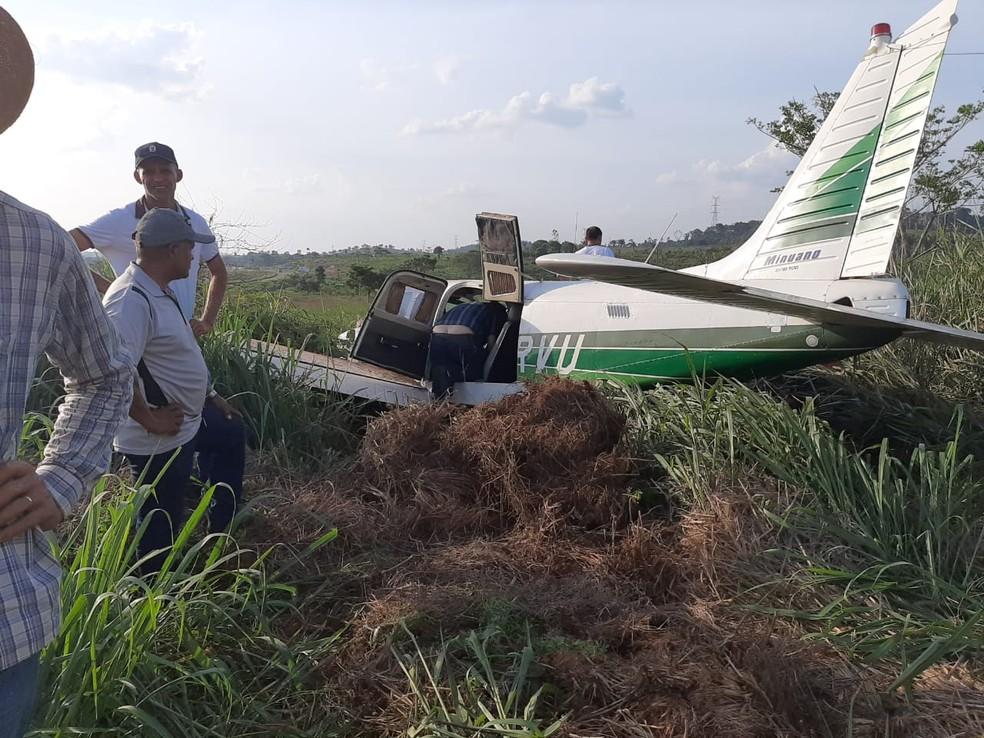 IMAGEM: Avião que derrapou com corregedor da Câmara é da igreja que ele preside e não poderia ser usado para política