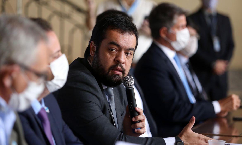IMAGEM: Irmão de criação de Cláudio Castro ganha cargo na prefeitura do Rio