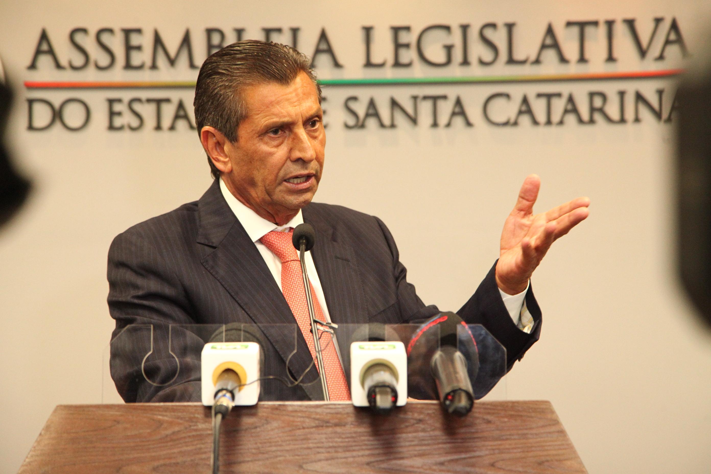 IMAGEM: Justiça aceita denúncia contra ex-presidente da Assembleia de SC