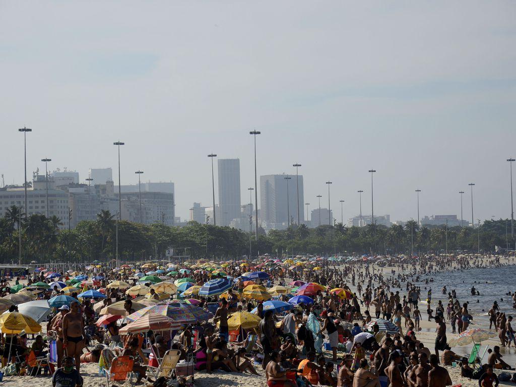 IMAGEM: Deputada quer impor multa de até R$ 5 mil para quem causar aglomerações