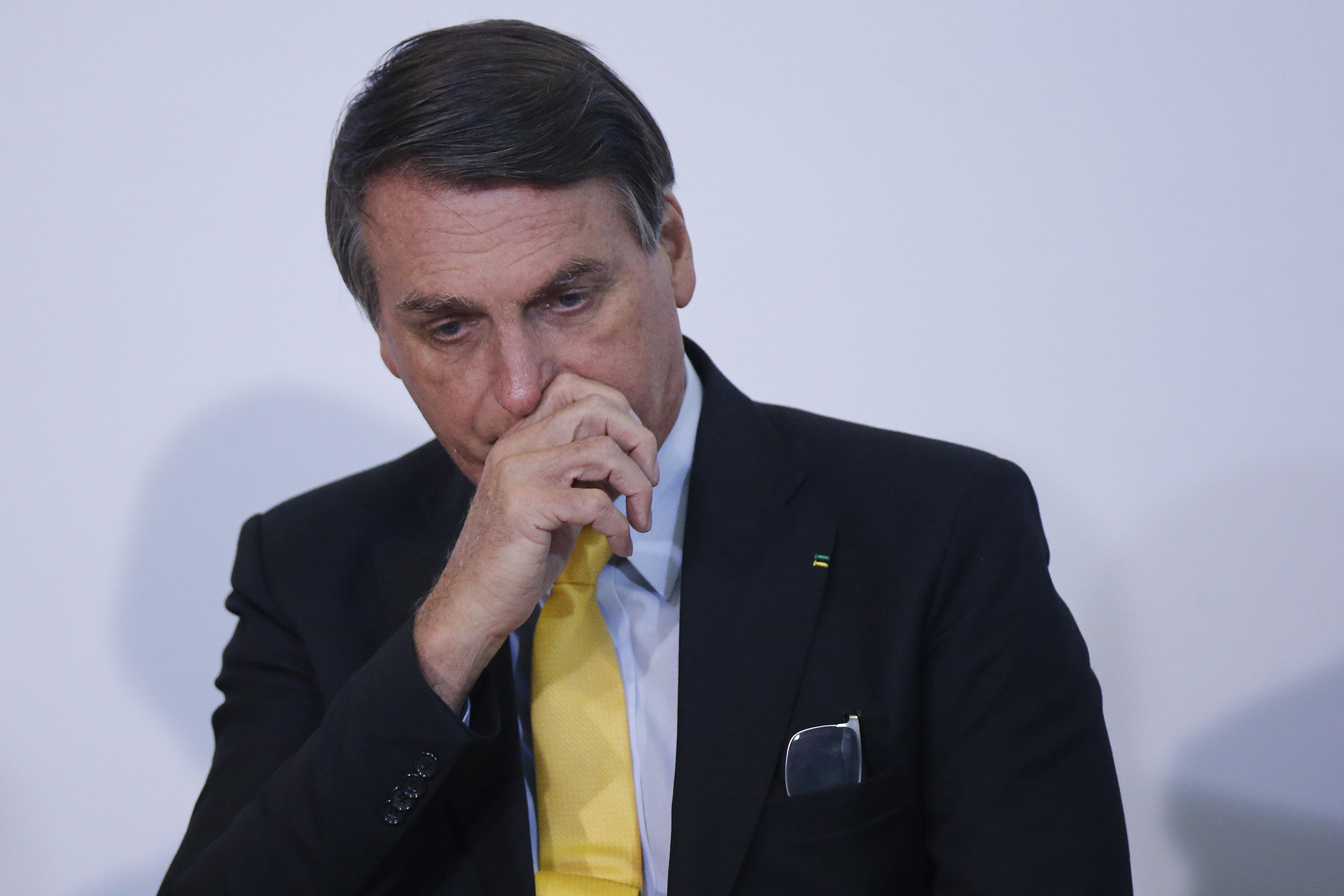 IMAGEM: Ex-PGR e ex-procuradores pedem a Aras que denuncie Bolsonaro