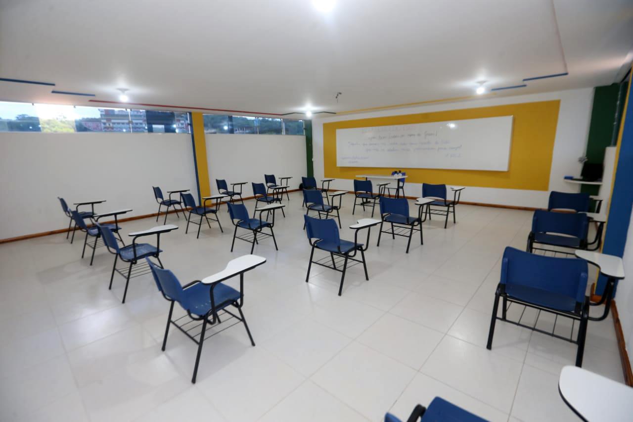 IMAGEM: SP: Justiça derruba liminar e autoriza aulas presenciais nas fases vermelha e laranja