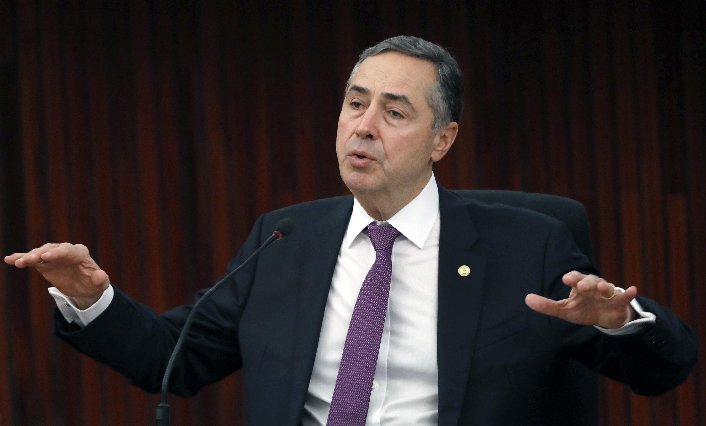 IMAGEM: Deputado preso na Furna da Onça reclama a Barroso de 'criminalização da política'