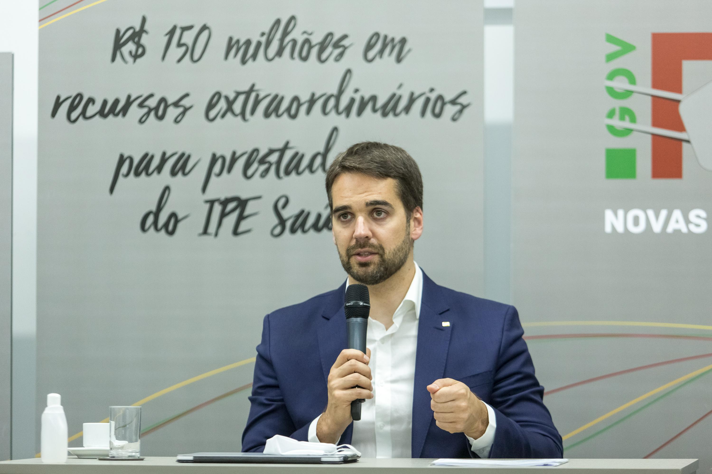 IMAGEM: Eduardo Leite entra na 'rinha de vacinas' e fala em imunizar RS até 20 de setembro