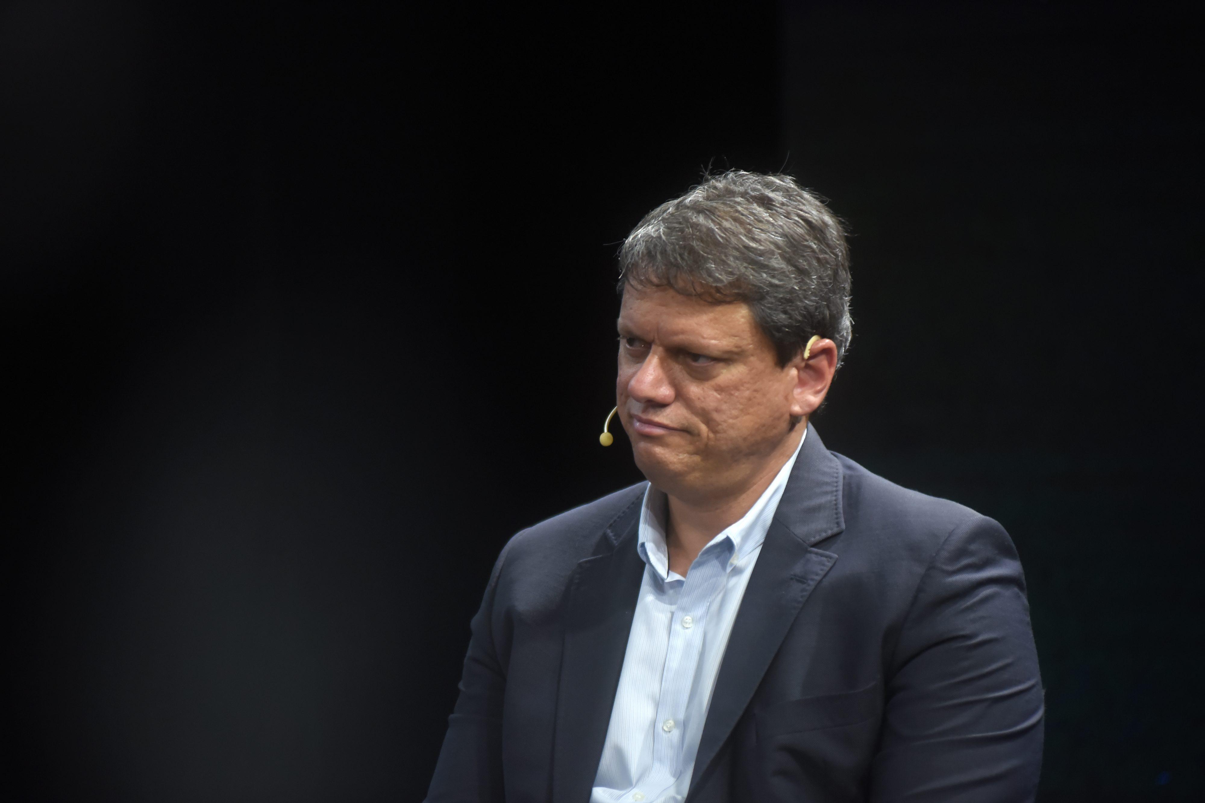IMAGEM: Tarcísio quer privatizar aeroportos antes de deixar cargo para disputar eleição