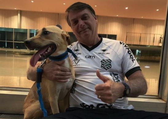 """IMAGEM: Bolsonaro: """"Vacina obrigatória só no Faísca"""""""