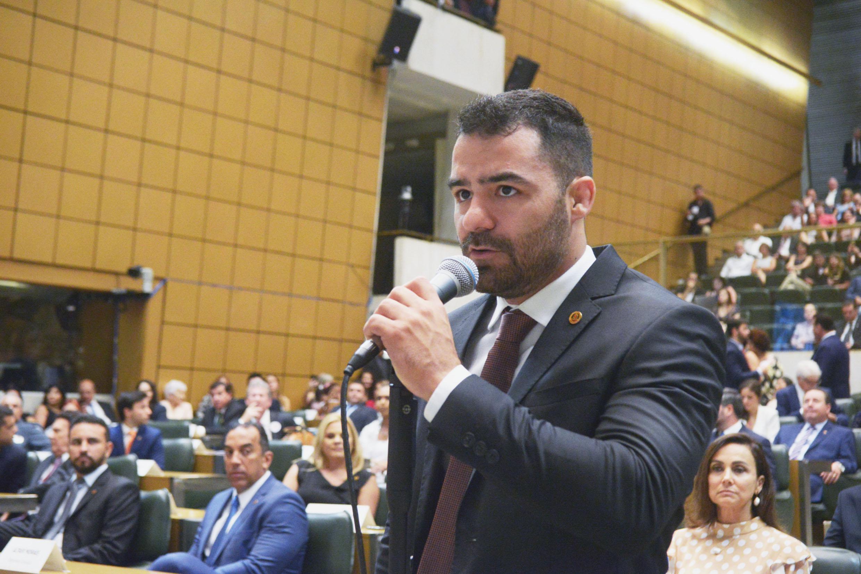IMAGEM: MBL deve deixar Patriota após convite a Bolsonaro