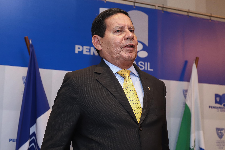IMAGEM: Mourão confirma retirada de militares da Amazônia no final de abril