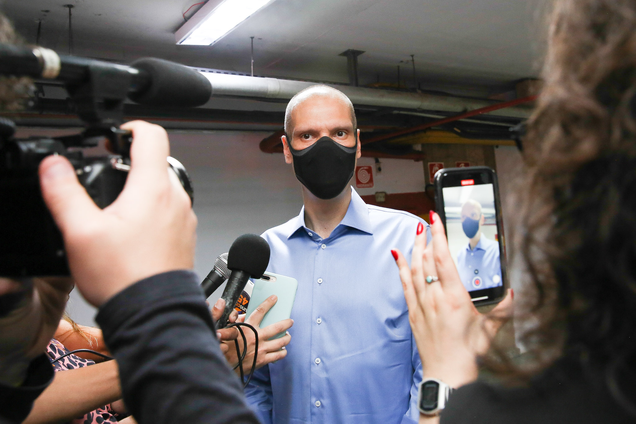 IMAGEM: Covas diz ter anulado seu voto para presidente