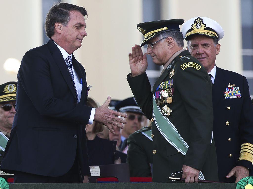 IMAGEM: Cúpula das Forças Armadas também avalia entregar cargos ao governo