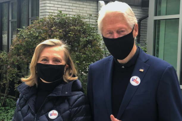 """IMAGEM: Bill Clinton: """"A democracia venceu"""""""