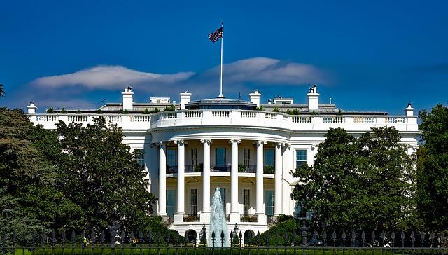 IMAGEM: Trump planeja festa na Casa Branca para 400 pessoas na noite da eleição