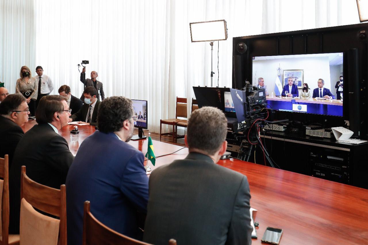 IMAGEM: Conversa de Bolsonaro e Fernández aponta para interesses diferentes