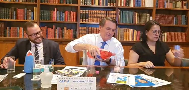"""IMAGEM: """"Bolsonaro não bebe"""""""