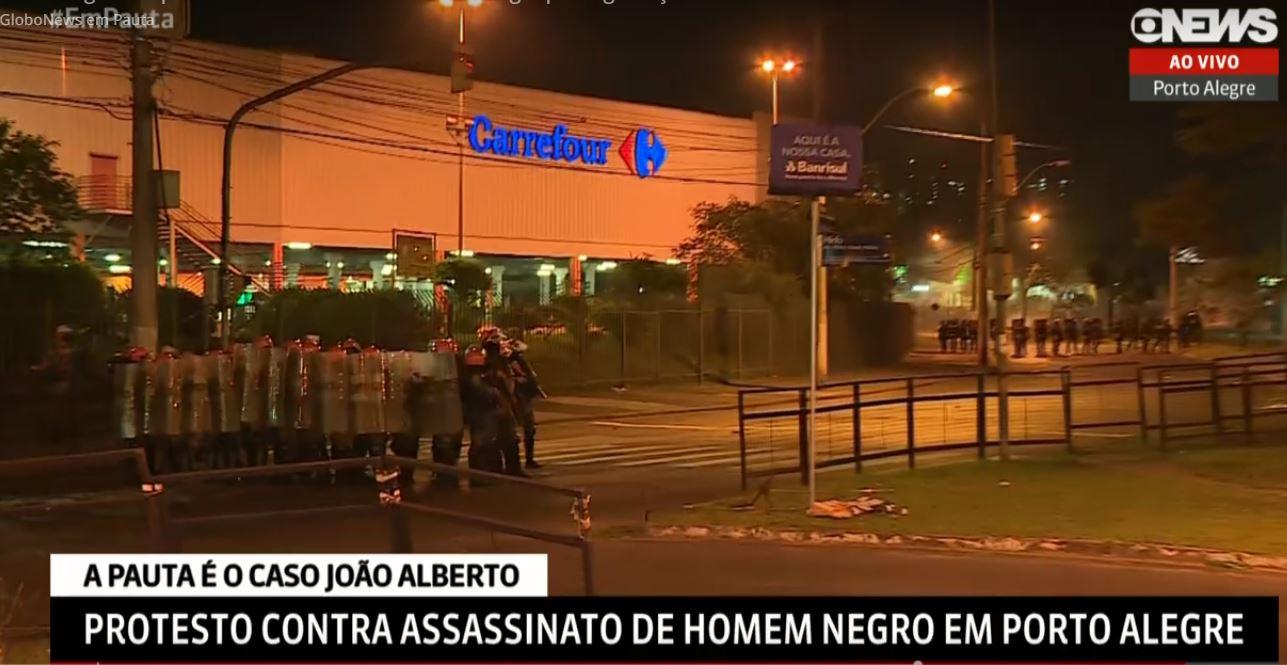 IMAGEM: Protesto contra morte de João Alberto termina com feridos em Porto Alegre