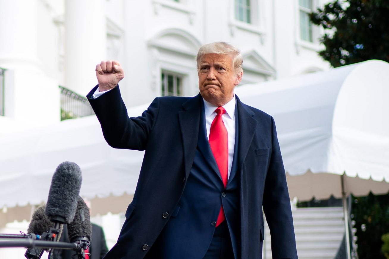 IMAGEM: Campanha de Trump pagou US$ 2,7 mi a organizadores de ato que levou a invasão do Congresso