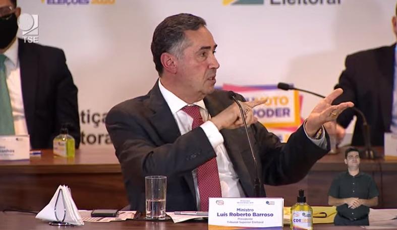 """IMAGEM: Barroso: """"Atraso de pouco menos de 3 horas"""""""