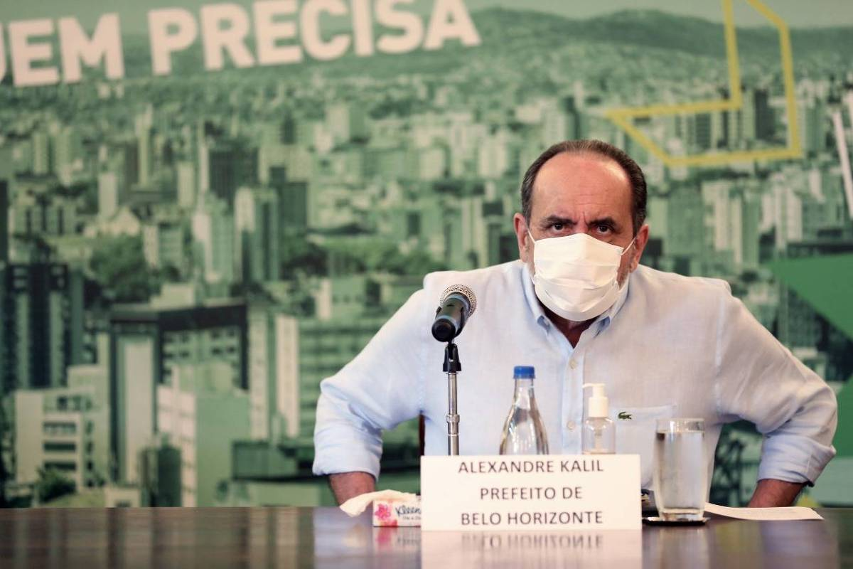 IMAGEM: Kalil formaliza compra da Coronavac para Belo Horizonte