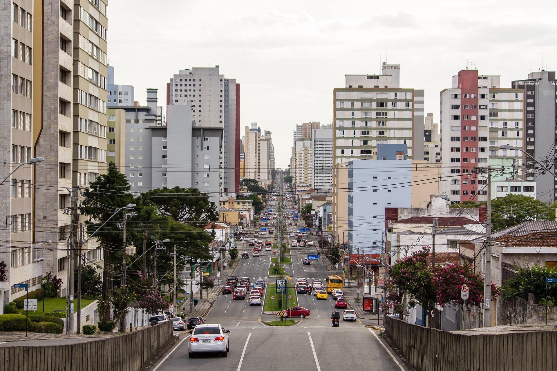 """IMAGEM: Conselho de Medicina do Paraná alerta para """"capacidade máxima"""" do sistema de saúde"""