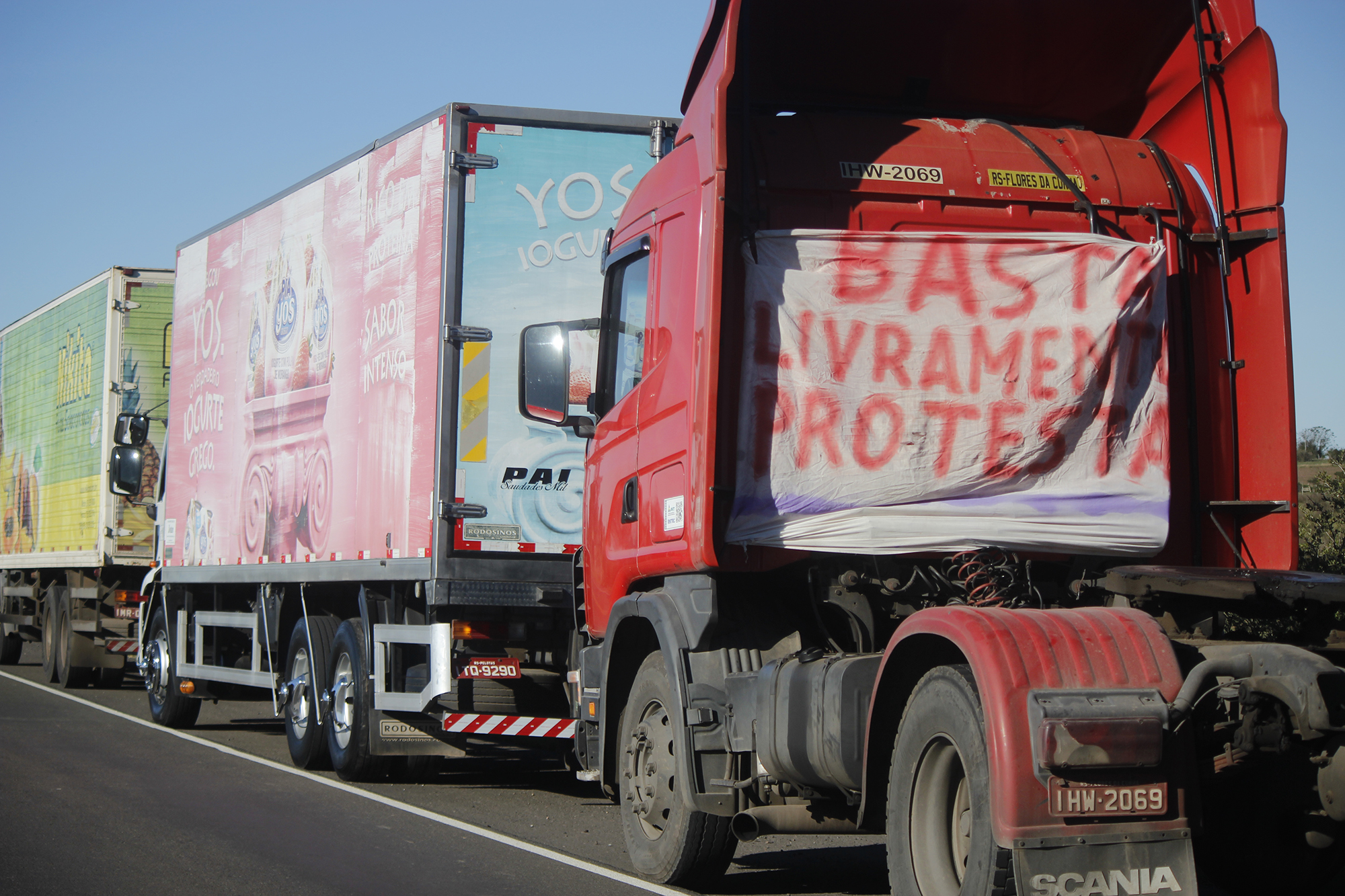 IMAGEM: Líderes de caminhoneiros sugerem paralisação de 2 horas por BR do Mar