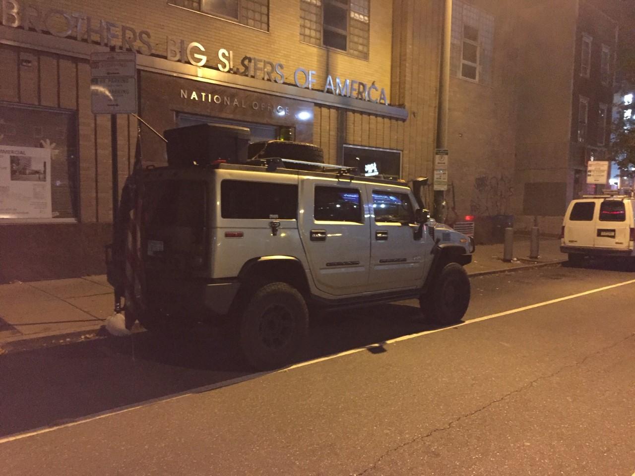 IMAGEM: Homens armados presos na Filadélfia tentavam entregar cédulas falsas