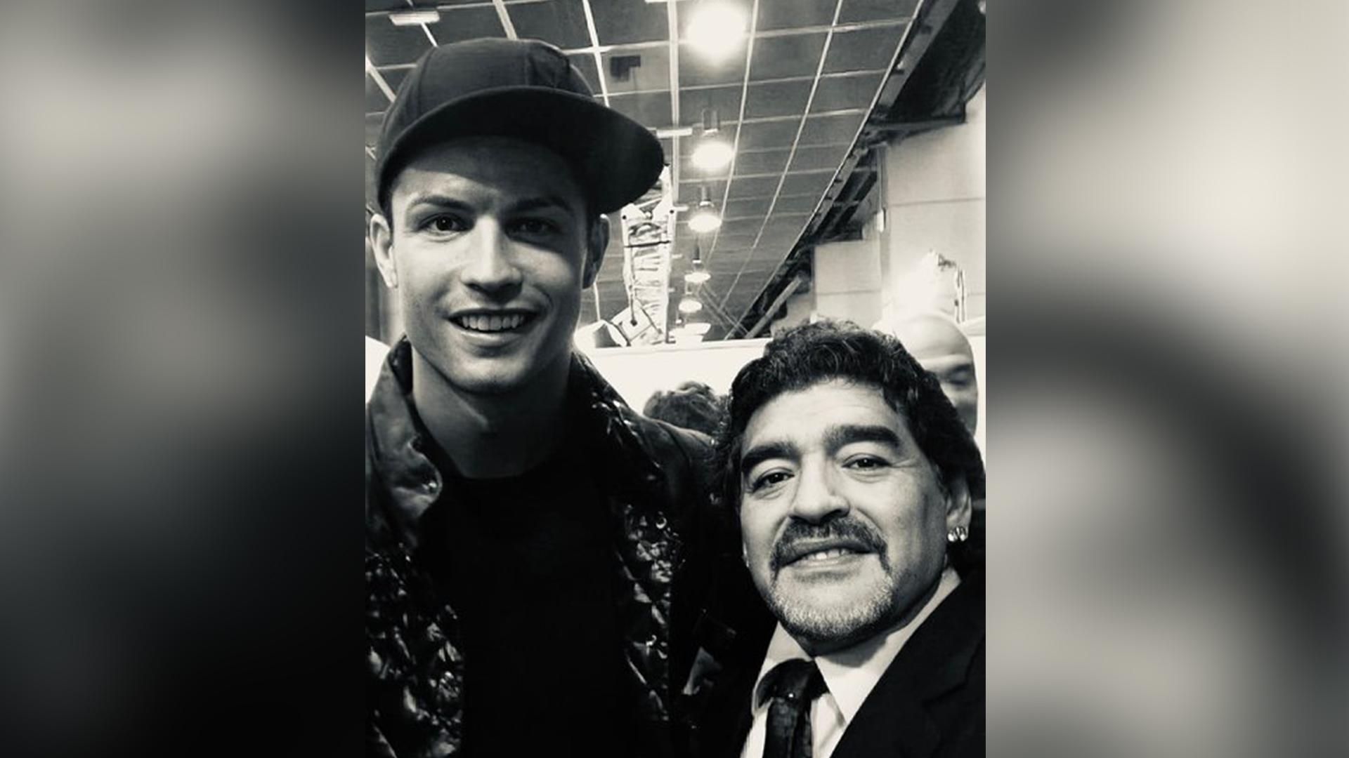 IMAGEM: Cristiano Ronaldo sobre Maradona: 'um mágico inigualável'