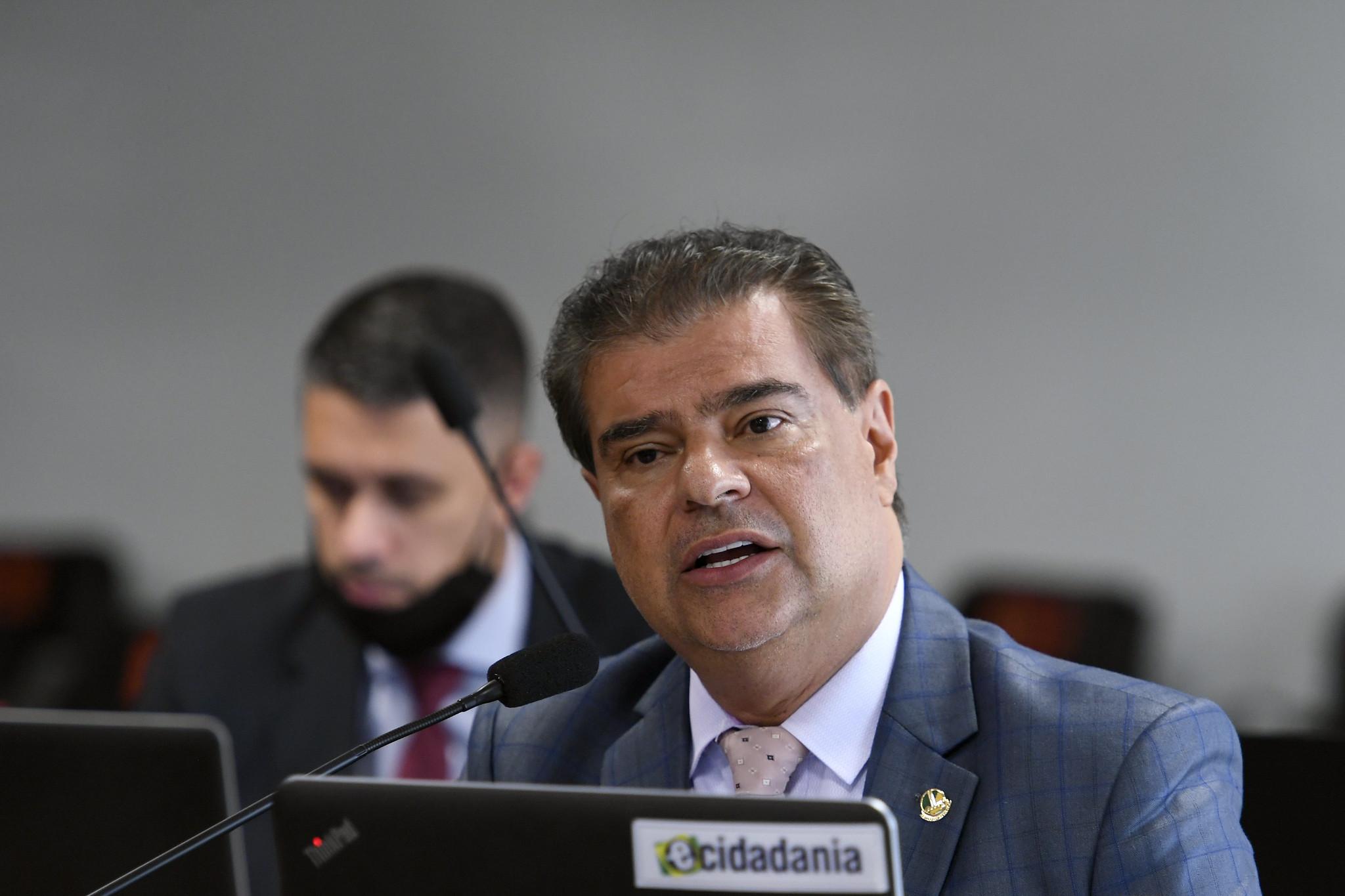 IMAGEM: Mais um nome cotado para o lugar de Ernesto Araújo